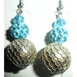 Metallklot med blå kulor